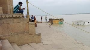 Varanasi - Ghat people